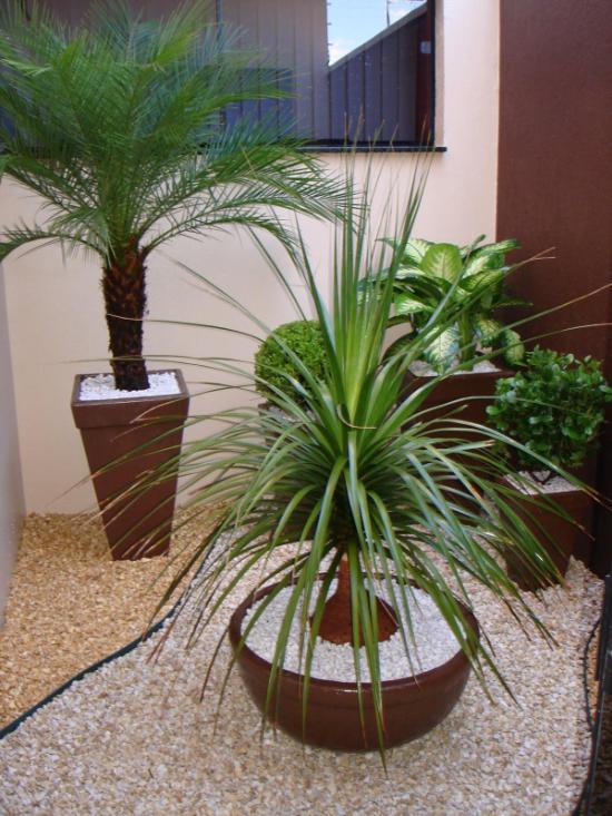 Pflanzentöpfe und andere Ideen für die Gartengestaltung