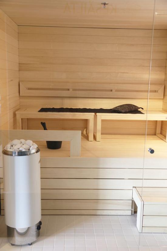 Sauna modernes Design aus Holz sehr einladend richtige Wohlfühloase