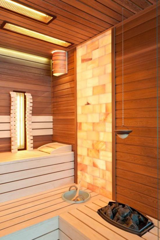 Sauna zuhause saunieren Extras gute Beleuchtung einladende Atmosphäre sich wohl fühlen