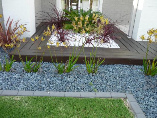 Sehr tolle Gartengestaltung mit vielen Farben