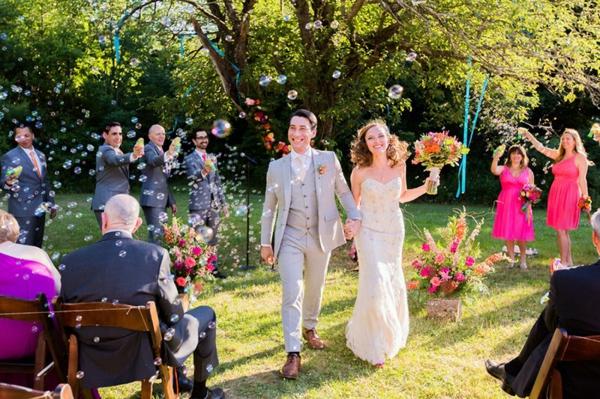 Seifenblasen Hochzeitszeremonie Ehepaar