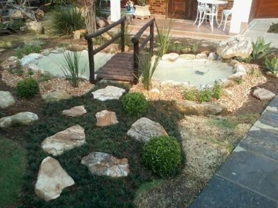 Tolle große moderne Gartengestaltung