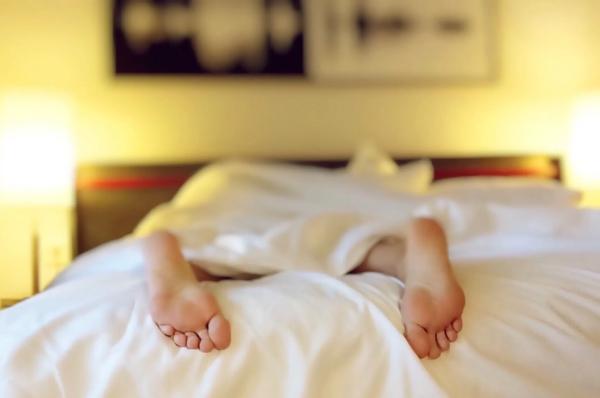 Ποια είναι η καλύτερη θέση ύπνου για σας</pre> <p><br /> <br /><a href=
