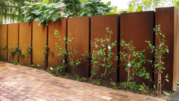besonders moderner Zaun - Kreariver Sichtschutz