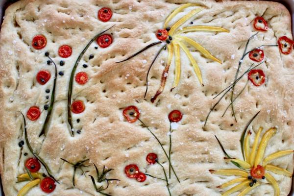 flower focaccia blumen aus gemüse