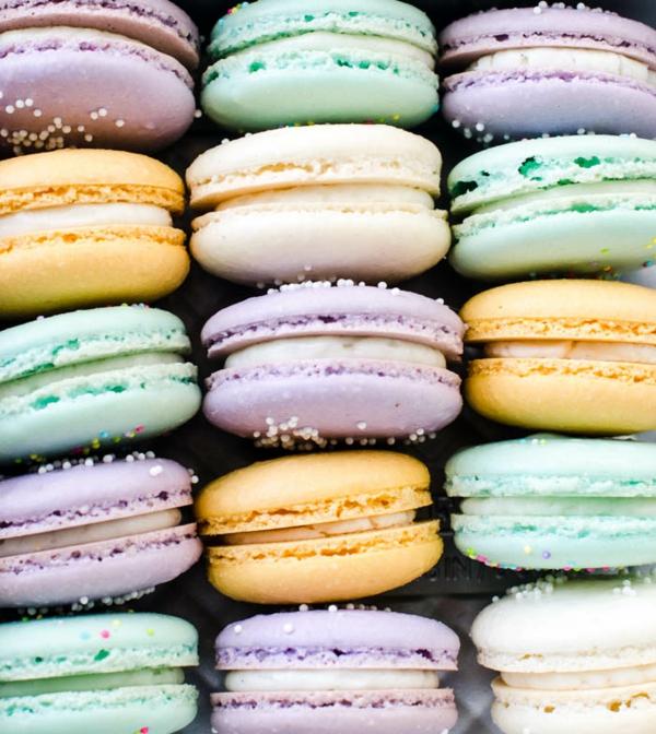 französische macarons pastellfarben