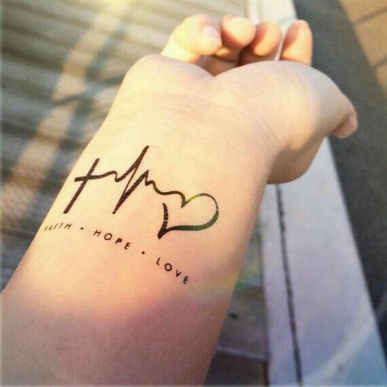 Liebes tattoos kleine Mini Tattoos: