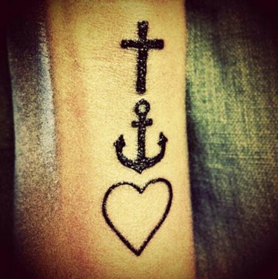 klassische glaube liebe hoffnung tattoo ideen