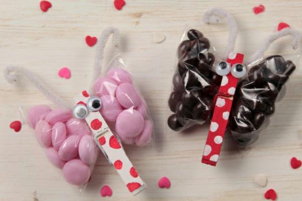 lustige bonbons schmetterlinge basteln