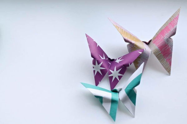 schicke schmetterlinge basteln aus geschenkpapier