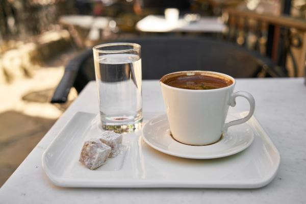 türkischer kaffee tolles servieren