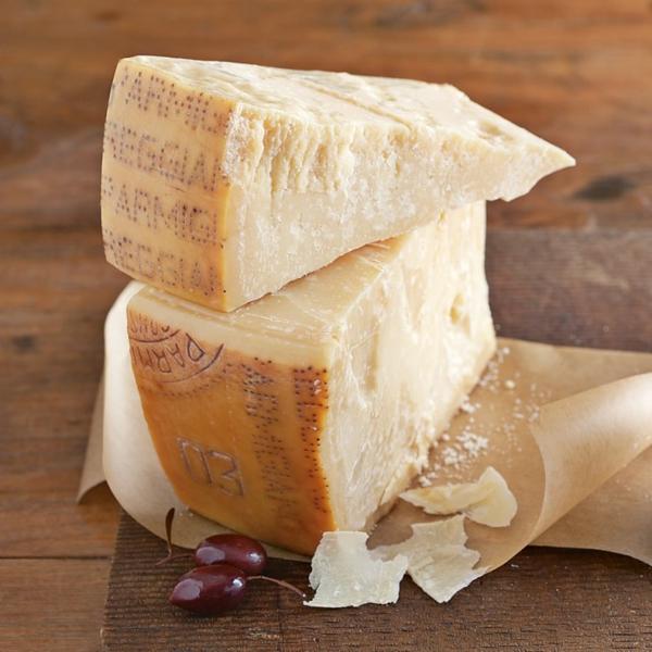 verschiedene Käsesorten Hartkäse Parmigiano-Reggiano