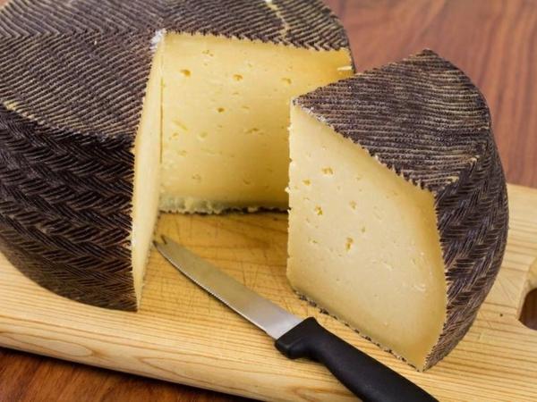 verschiedene Käsesorten Manchego