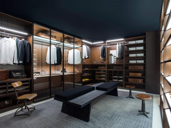Ankleidezimmer für Männer schick und stilvoll garderobe