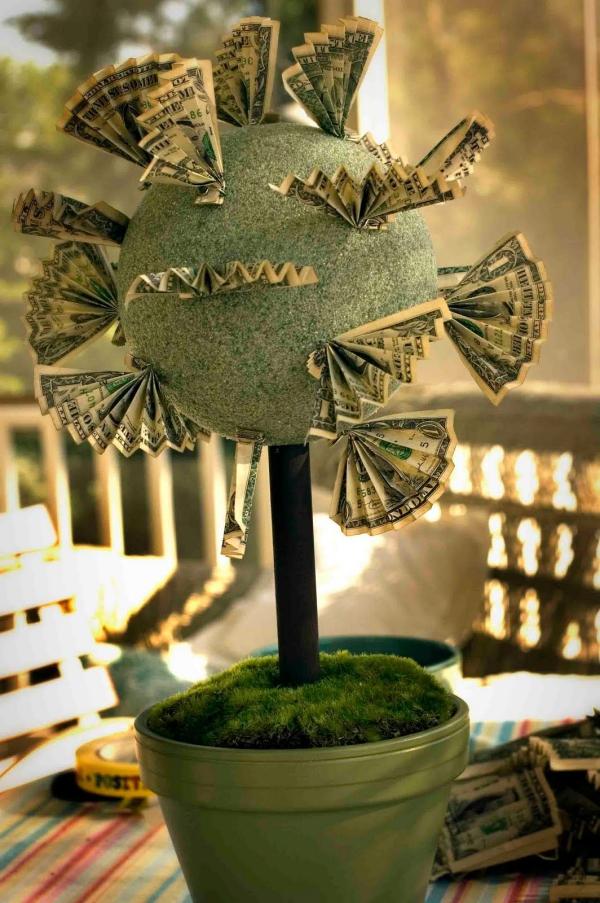 Geldbaum basteln – Kreative Geschenkideen für jeden Anlass anleitung styropor kugel scheine