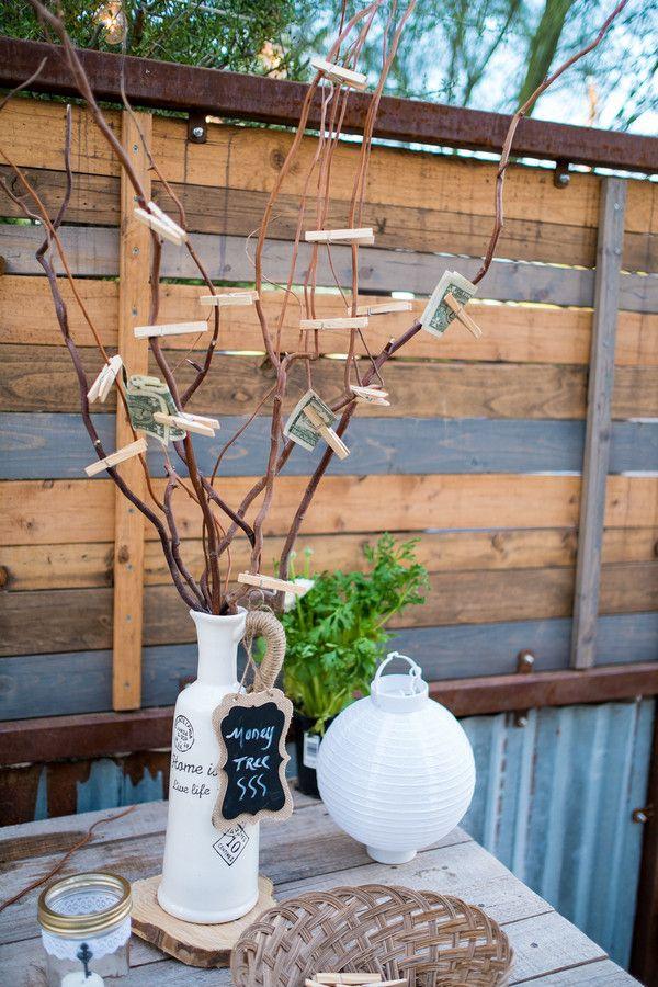 Geldbaum basteln – Kreative Geschenkideen für jeden Anlass ast zweig mit geldscheine gerollt