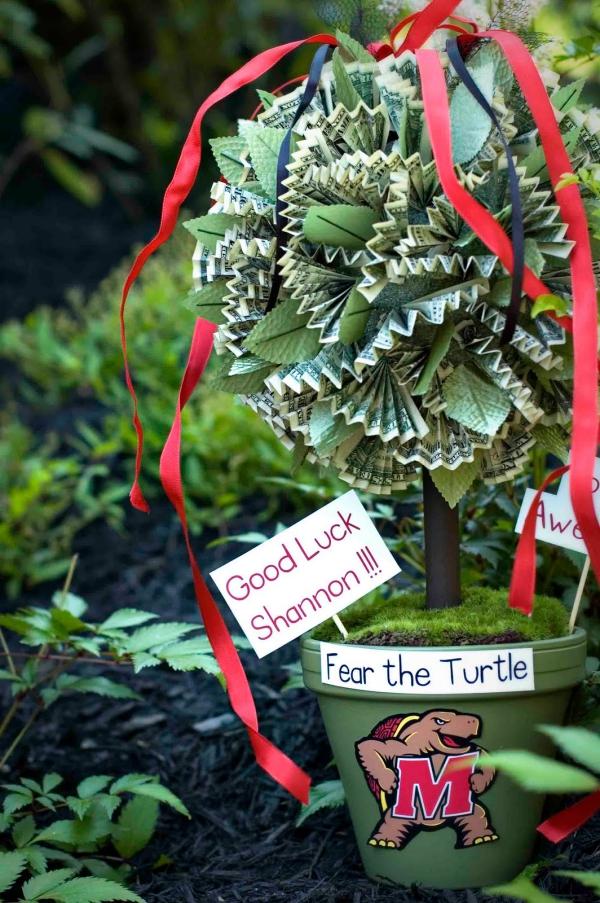 Geldbaum basteln – Kreative Geschenkideen für jeden Anlass styropor fußball mannschaft geschenk ideen