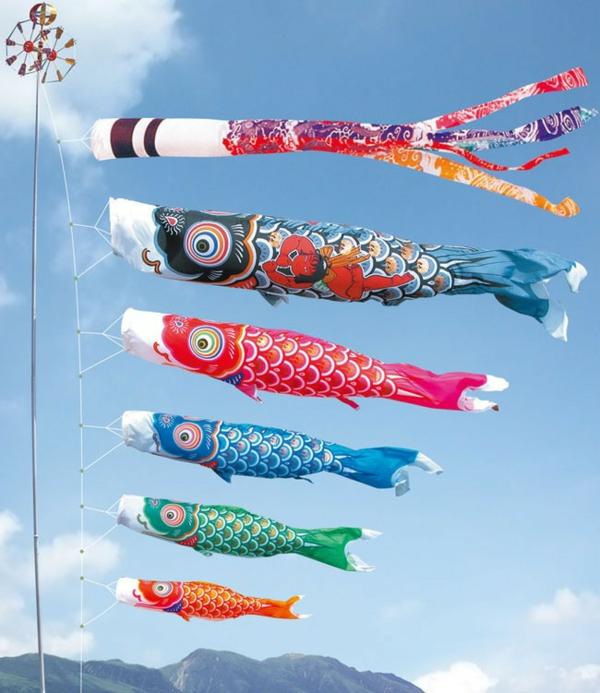 Koinobori Fliegende Fische basteln japanische Windsäcke