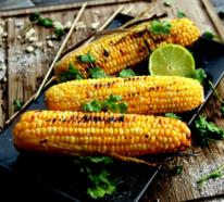 Maiskolben grillen und den Geschmack des Sommers genießen!