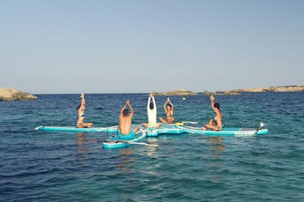 SUP Yoga Tipps Gleichgewicht im Wasser halten