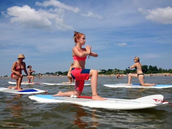 SUP Yoga Tipps Paddleboard Yoga treiben