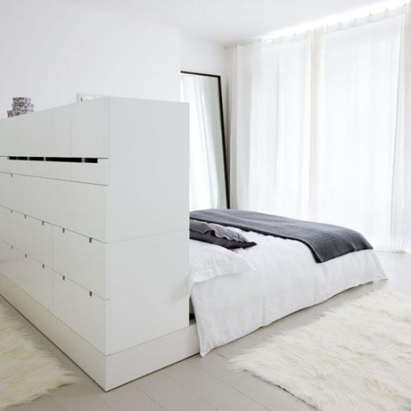 Schlafzimmer minimalistisch einrichten kein Fernseher keine Deko keine modernen Devices