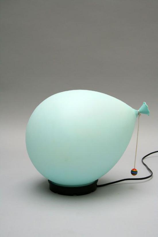 Tischlampen ausgefallen fantasievoll designt Ballonform in Hellblau