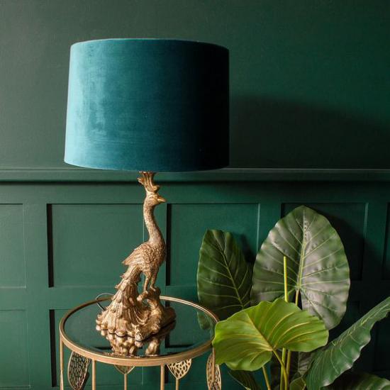 Tischlampen ausgefallen fantasievoll designt Pfau aus goldgelbem Messing Lampenschirm aus blaugrünem Samt