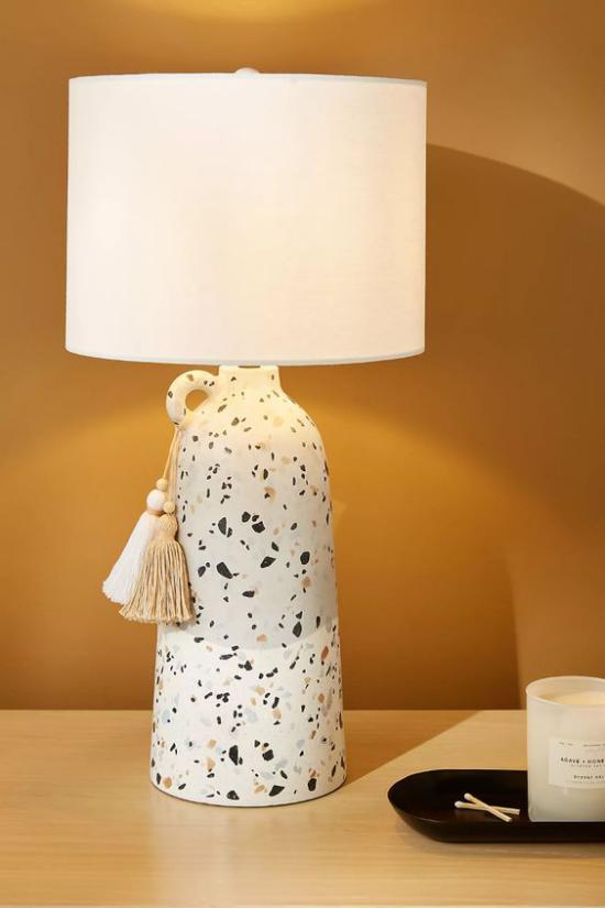 Tischlampen ausgefallen fantasievoll designt Vase aus Terrazzo Marmor eyecatching