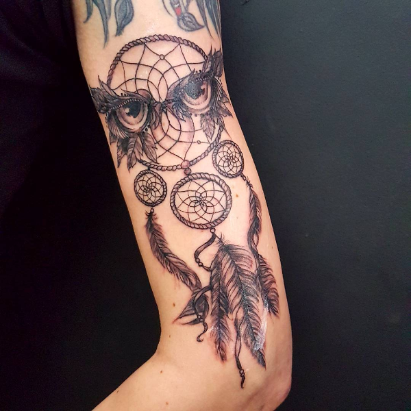 Traumfänger Tattoo Zeichnungen am Körper