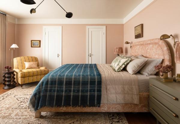 Wandgestaltung Schlafzimmer Wandfarbe hellrosa