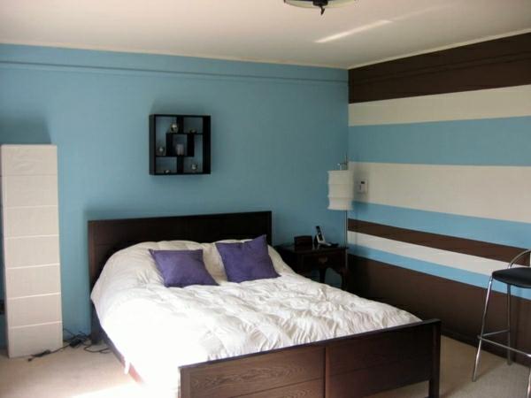 Wandgestaltung Schlafzimmer Wandfarben hellblau Streifen