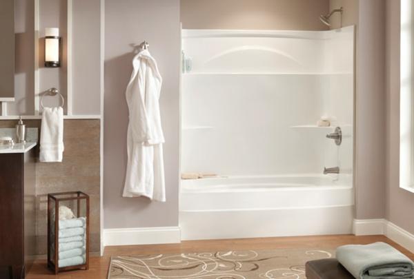bad ohne fliesen altrosa wandfarbe weiße duschnische mit badewanne