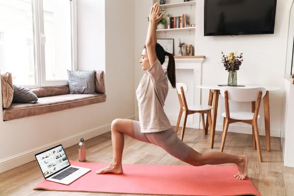 früh aufstehen yoga flow am morgen