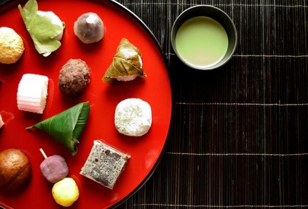 gesunde japanische süßigkeiten teezeremonie