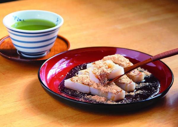 japanische süßigkeiten mit kinako und kurumitsu