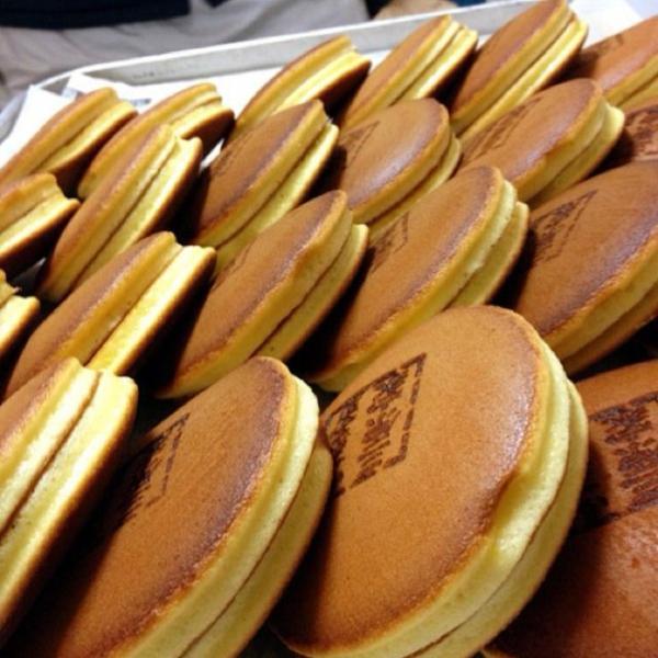 japanische süßigkeiten traditionell dorayaki