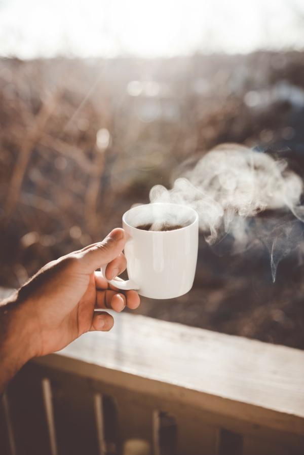 kaffee trinken früh aufstehen