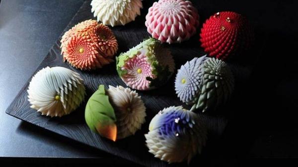 kunstvolle japansiche süßigkeiten namagashi