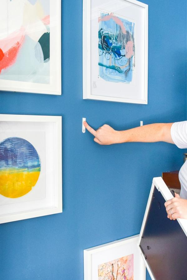 wohnzimmer wandgestaltung bilder aufhängen ohne bohren