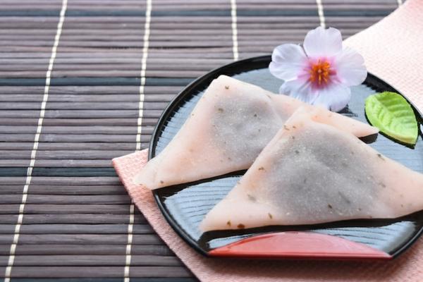 japanische süßigkeiten traditionell yatsuhashi