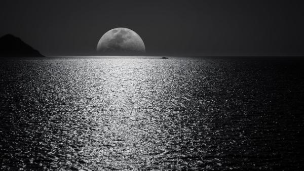 Ansicht am Meer Neumond