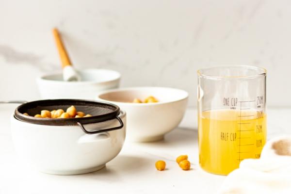 Aquafaba schlagen Rezepte Kichererbsenflüßigkeit vegan backen