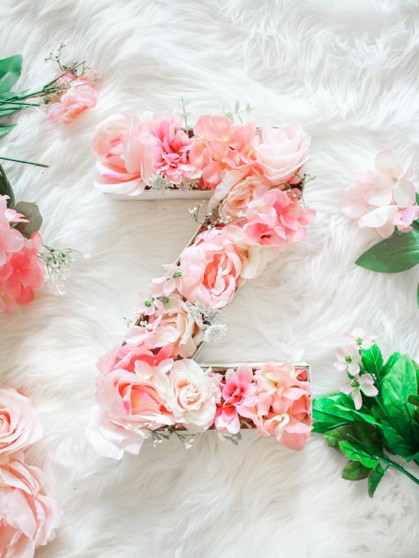 Buchstaben mit Blumen basteln Blumen Buchstaben und Ziffern selber machen