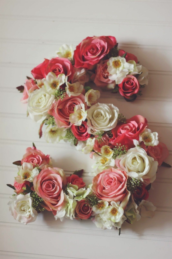Buchstaben mit Blumen basteln Blumenbuchstaben S
