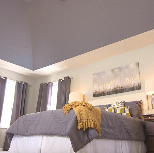 Decke dunkel streichen Deckenfarbe Lila