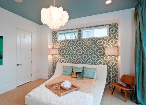 Decke dunkel streichen Deckenfarbe Schlafzimmer Blau