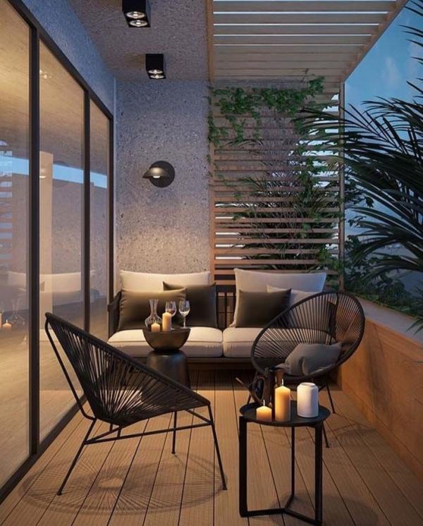 Die passenden Balkonmöbel für jeden Platzbedarf und weitere Tipps terrasse mit sofa mit srühle metall