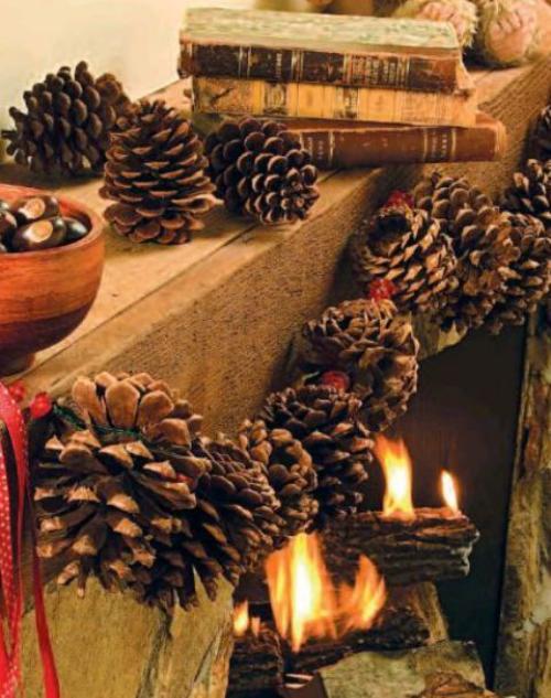 Herbstdeko mit Tannenzapfen Girlande aus Zapfen kinderleicht zu basteln den Kamin dekorieren