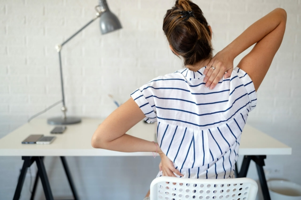Nackenschmerzen Übungen Arbeitsplatz Nackenschmezen was tun